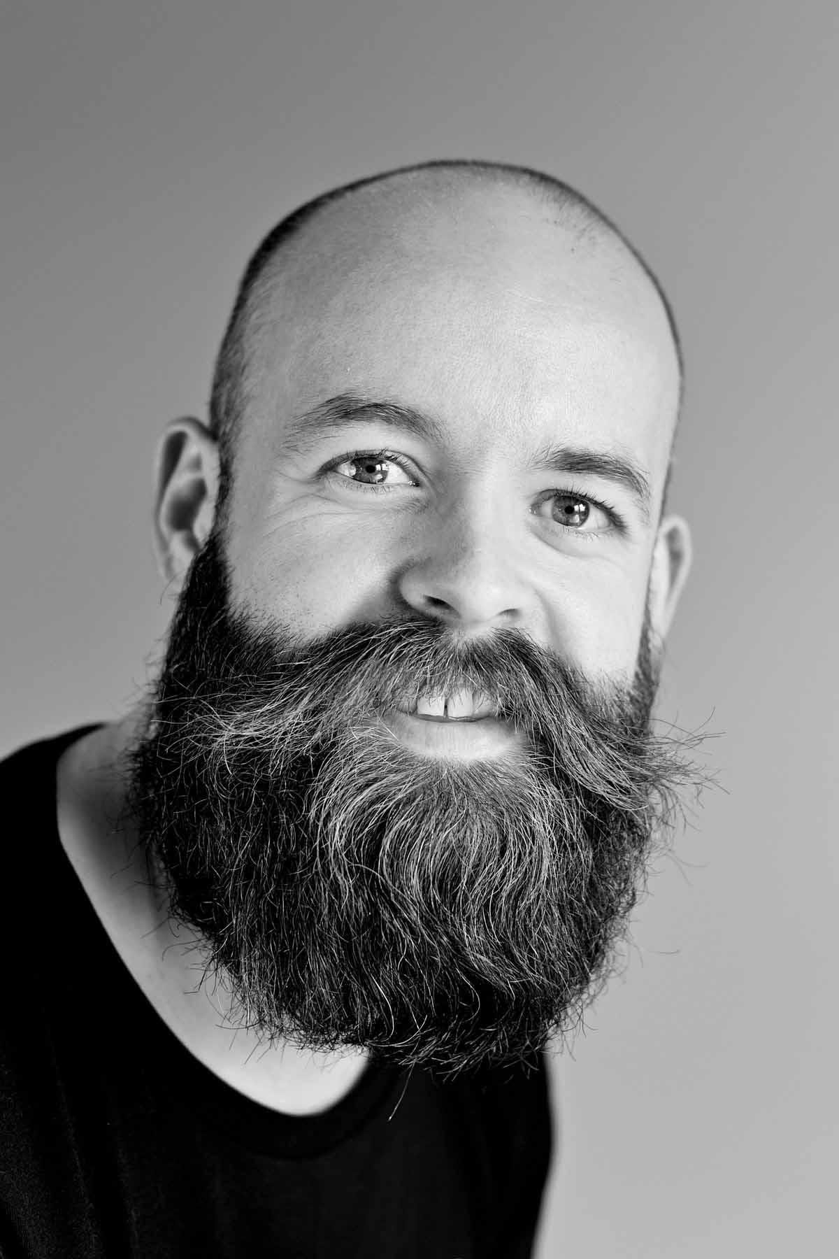 mand med skæg portræt